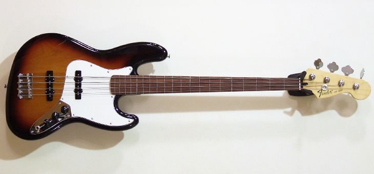 Fender - Standard Jazz Bass fretless