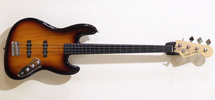 Fender - Squier VM Jazz Fretless used